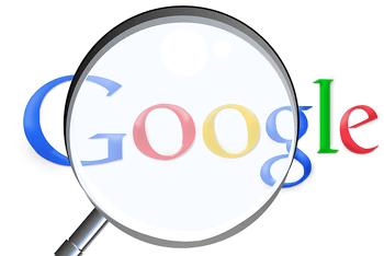 magnifying glass google by Simon at Pixabay